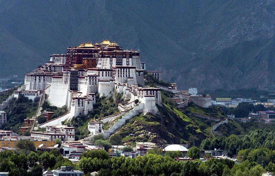 Cung điện Potala ở Tây Tạng