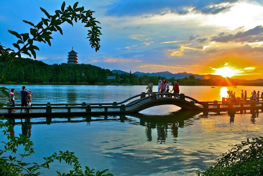Tay Ho, Hang Chau